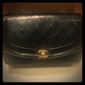 93152ad6323452 CHANEL · Authentic Vintage Chanel Diana medium flap bag